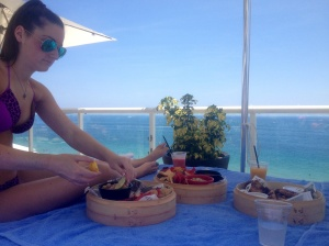 EAT HEALTHY WHILE ON VACATION!