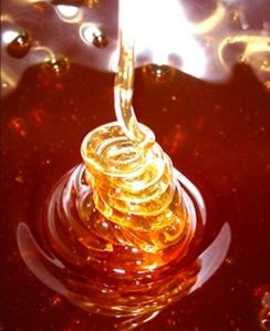 I love honey- and it's good for us too!